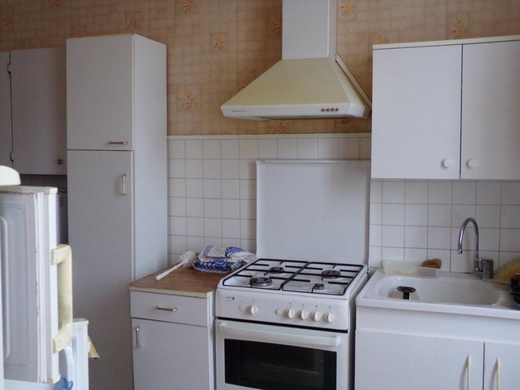 Maison à vendre 5 76m2 à Saint-Sulpice-Laurière vignette-3