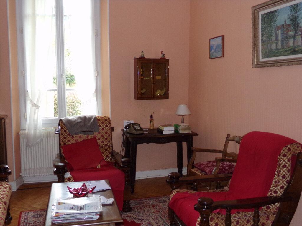Maison à vendre 5 76m2 à Saint-Sulpice-Laurière vignette-5