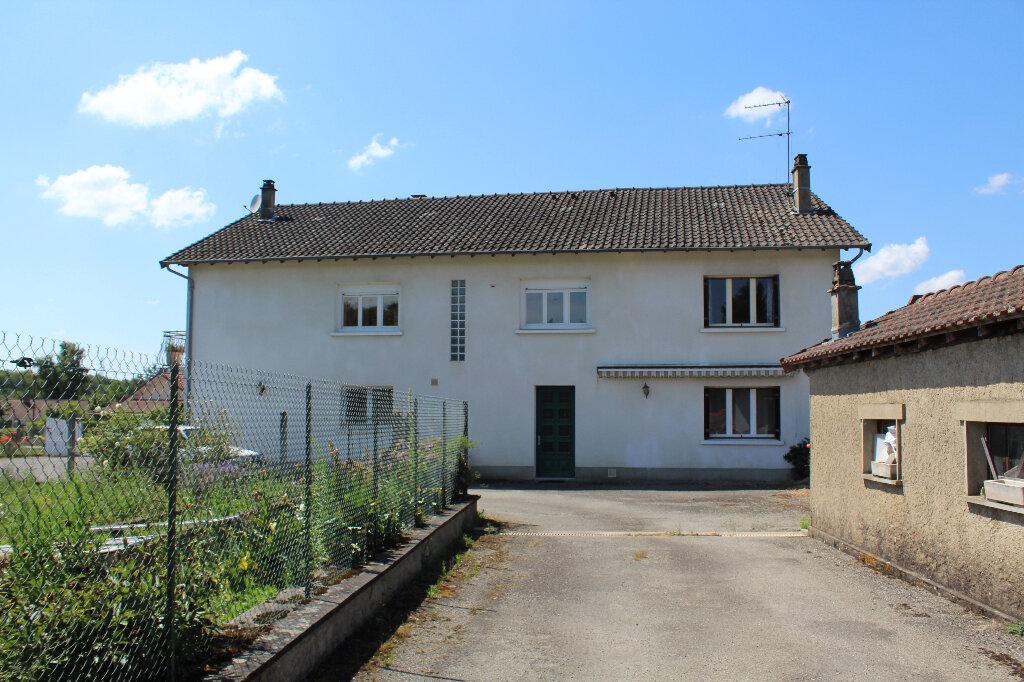 Maison à vendre 8 182.9m2 à Saint-Priest-Taurion vignette-1