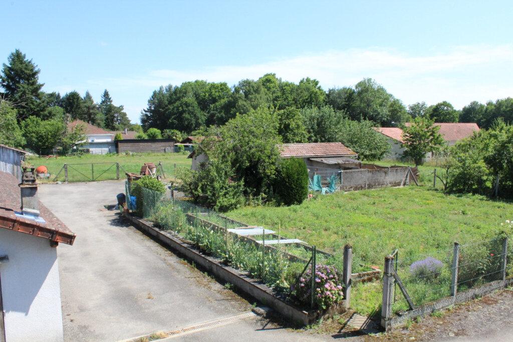 Maison à vendre 8 182.9m2 à Saint-Priest-Taurion vignette-2