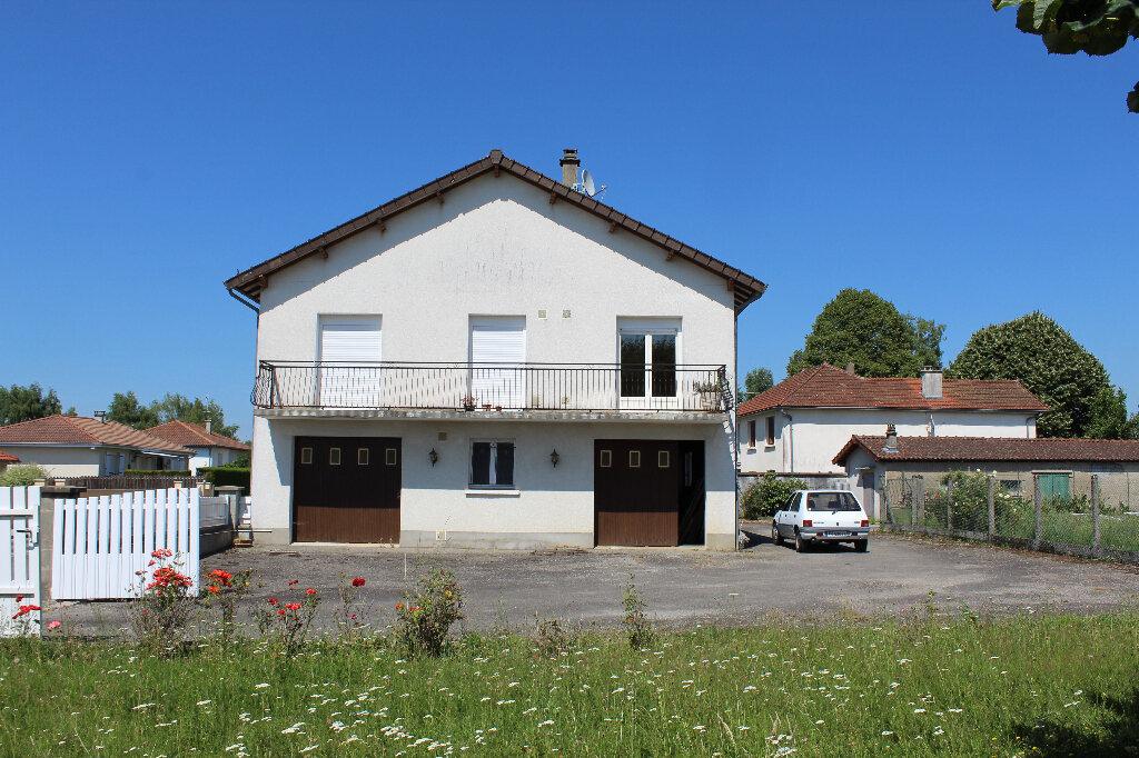 Maison à vendre 8 182.9m2 à Saint-Priest-Taurion vignette-4