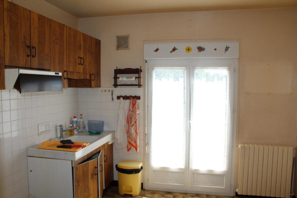 Maison à vendre 8 182.9m2 à Saint-Priest-Taurion vignette-6