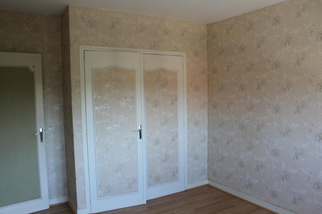 Maison à vendre 8 182.9m2 à Saint-Priest-Taurion vignette-7