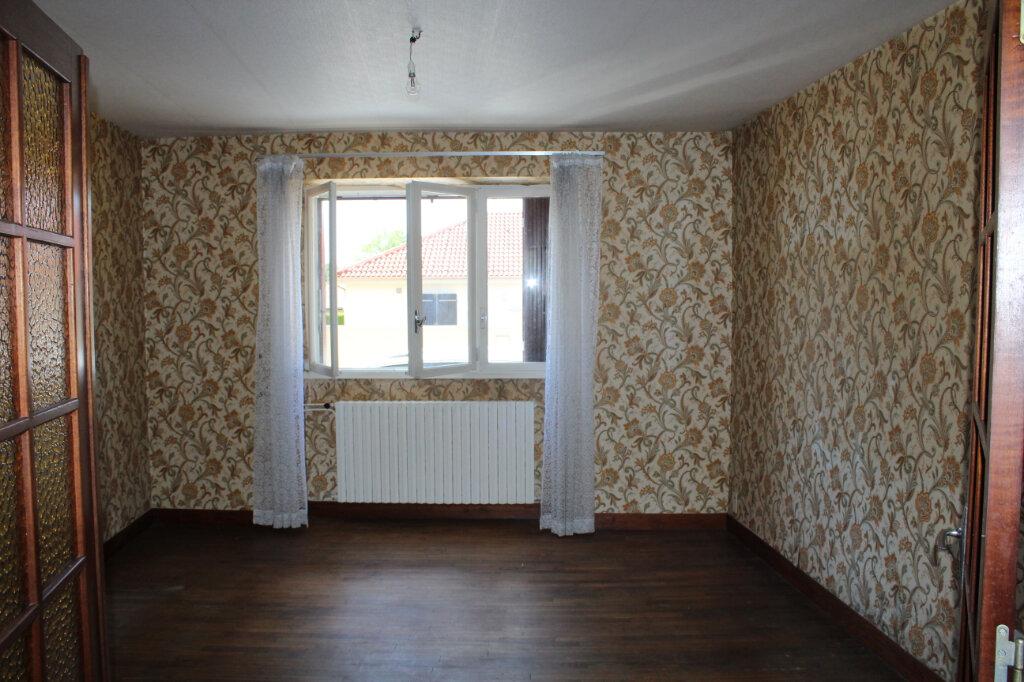 Maison à vendre 8 182.9m2 à Saint-Priest-Taurion vignette-11