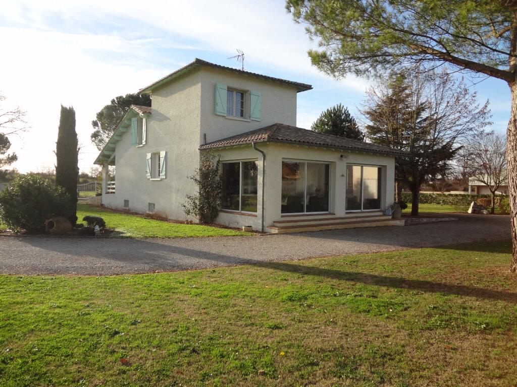 Maison à vendre 8 240m2 à Beaumont-de-Lomagne vignette-6