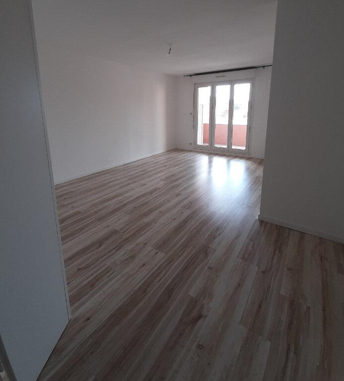 Appartement à louer 3 71.85m2 à Toulouse vignette-3