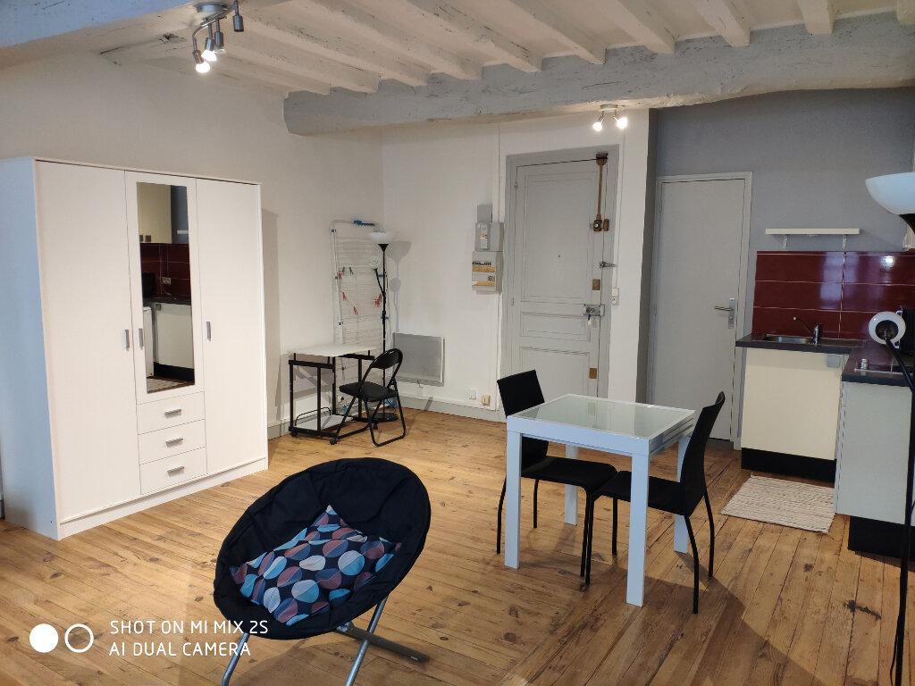 Appartement à louer 1 32m2 à Bayonne vignette-1