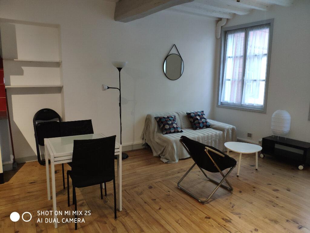 Appartement à louer 1 32m2 à Bayonne vignette-2