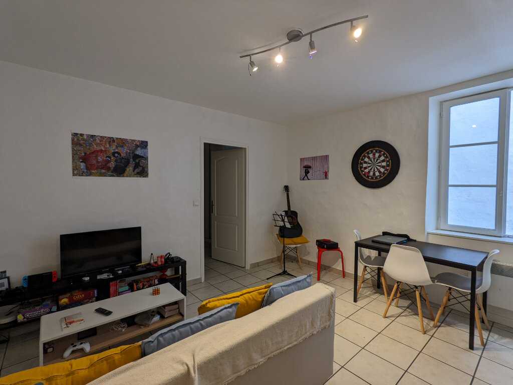 Appartement à louer 2 32m2 à Bayonne vignette-1