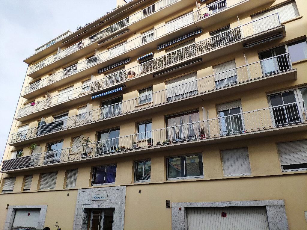 Appartement à louer 1 21m2 à Bayonne vignette-8