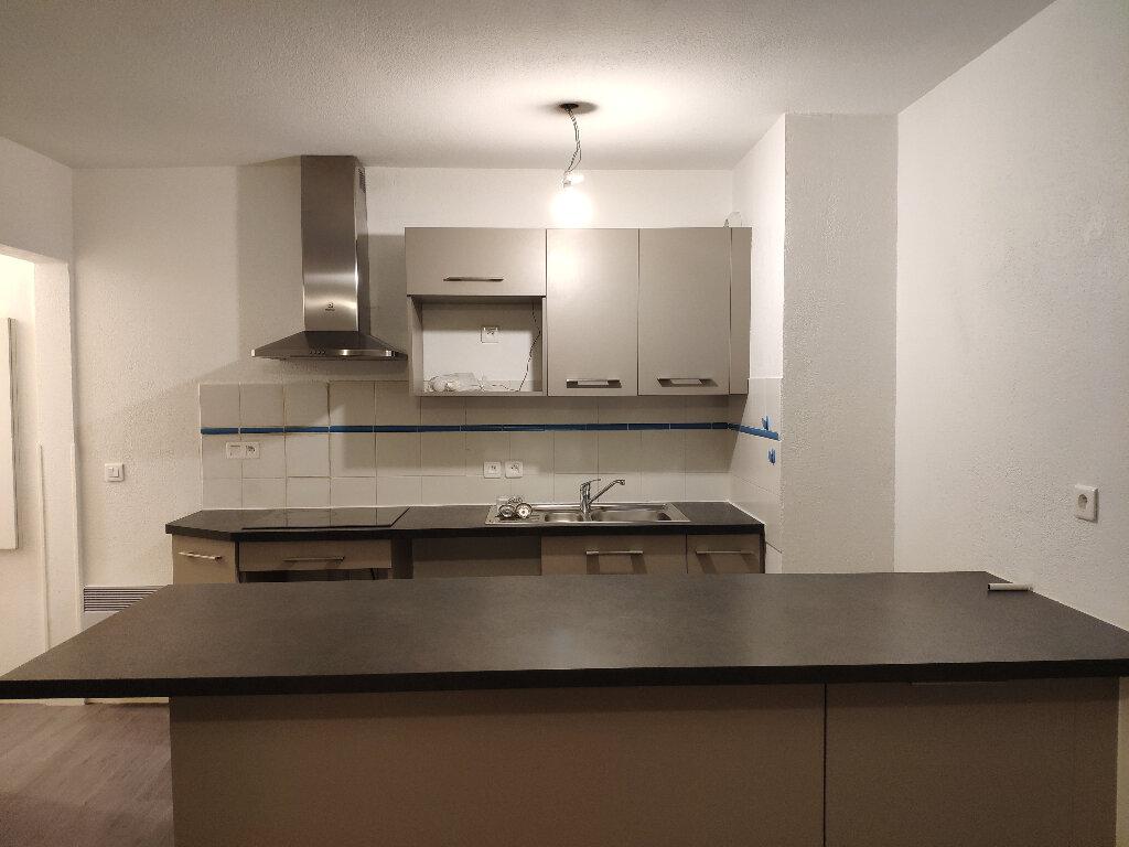 Appartement à louer 4 91m2 à Saint-Martin-de-Seignanx vignette-2