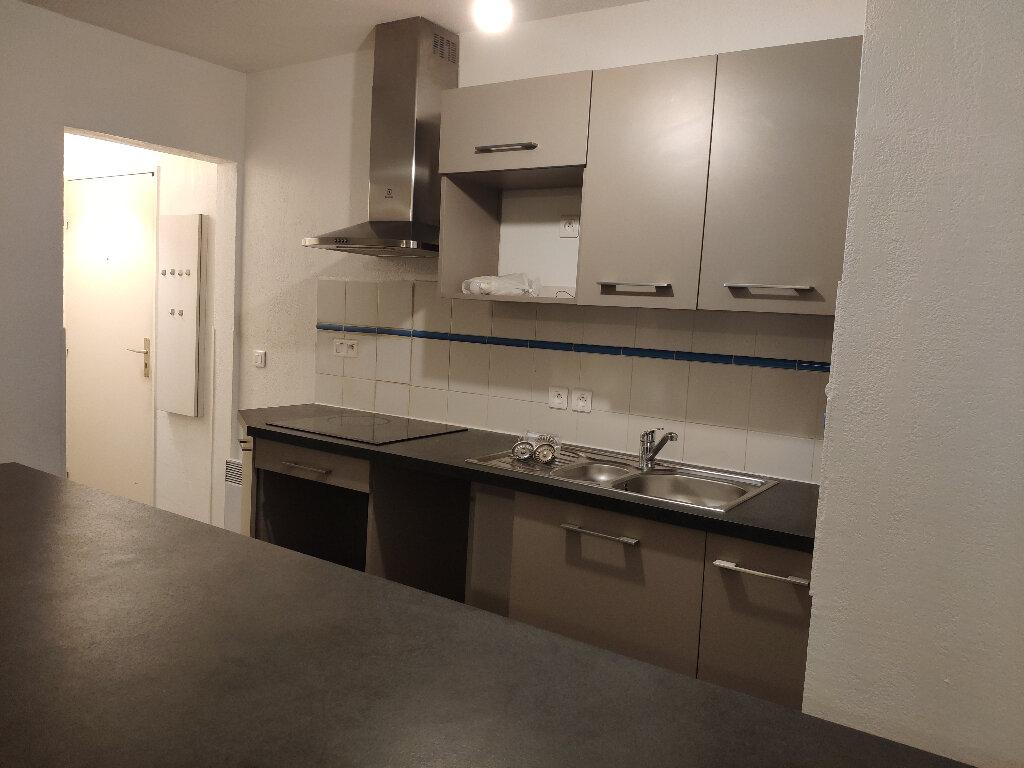 Appartement à louer 4 91m2 à Saint-Martin-de-Seignanx vignette-3