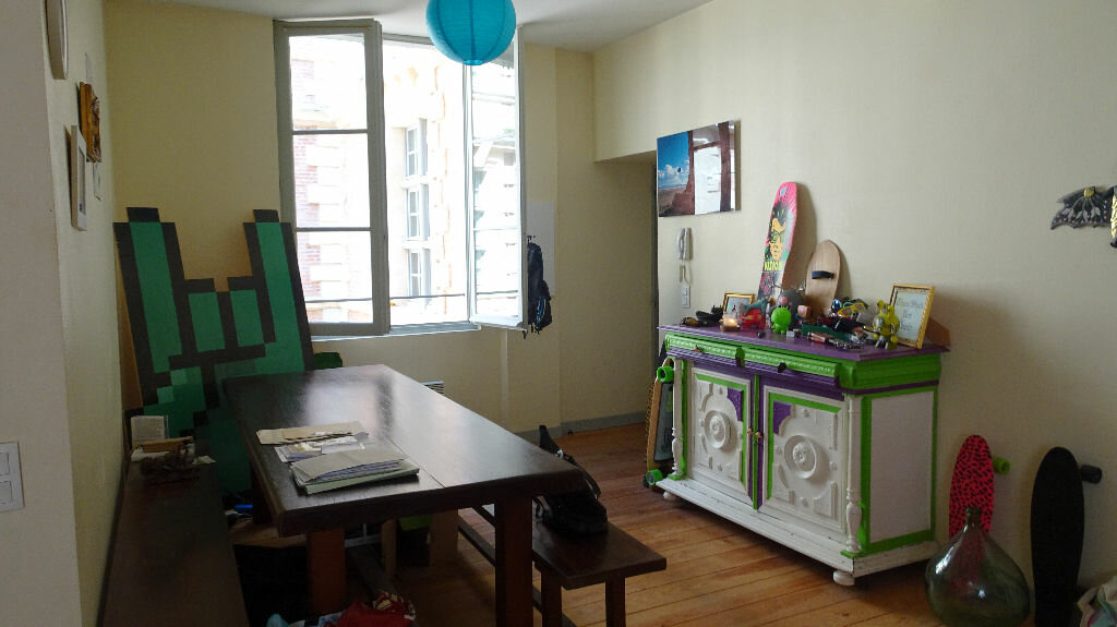 Appartement à louer 3 65m2 à Bayonne vignette-3