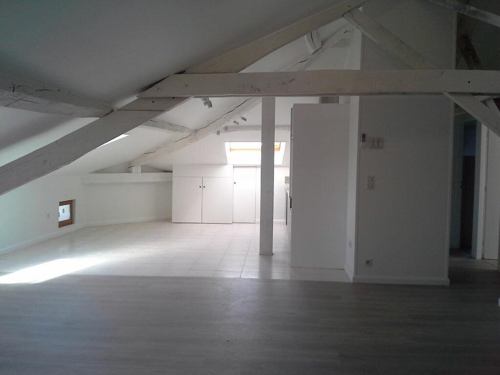 Appartement à louer 3 54m2 à Hasparren vignette-1