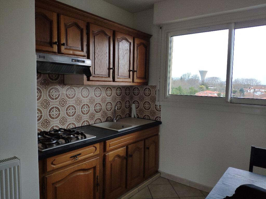 Appartement à louer 4 83m2 à Saint-Pierre-d'Irube vignette-4