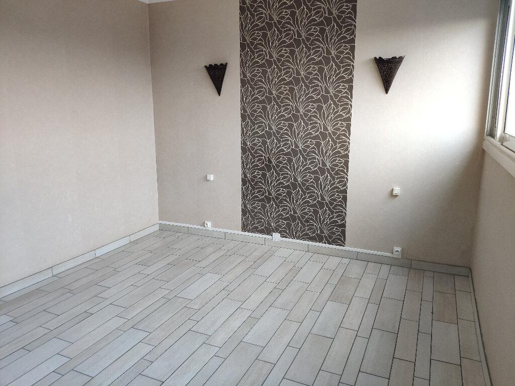 Appartement à louer 4 83m2 à Saint-Pierre-d'Irube vignette-6