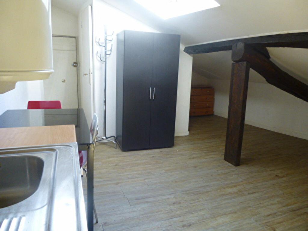 Appartement à louer 1 20m2 à Bayonne vignette-2