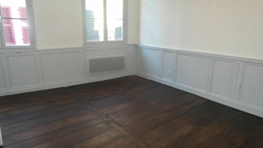 Appartement à louer 3 72m2 à Bayonne vignette-3