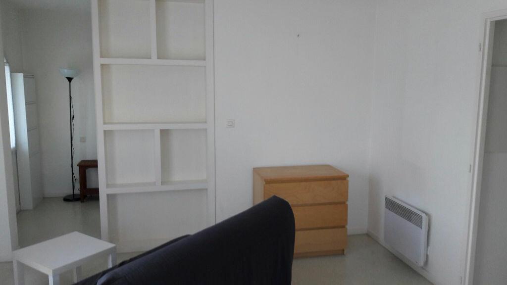 Appartement à louer 1 33m2 à Bayonne vignette-2