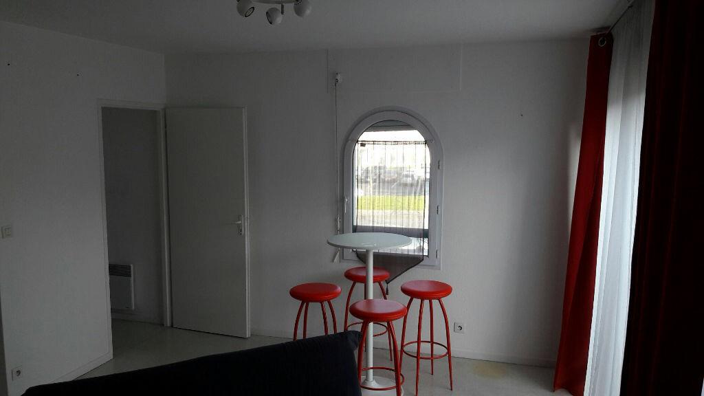 Appartement à louer 1 33m2 à Bayonne vignette-3