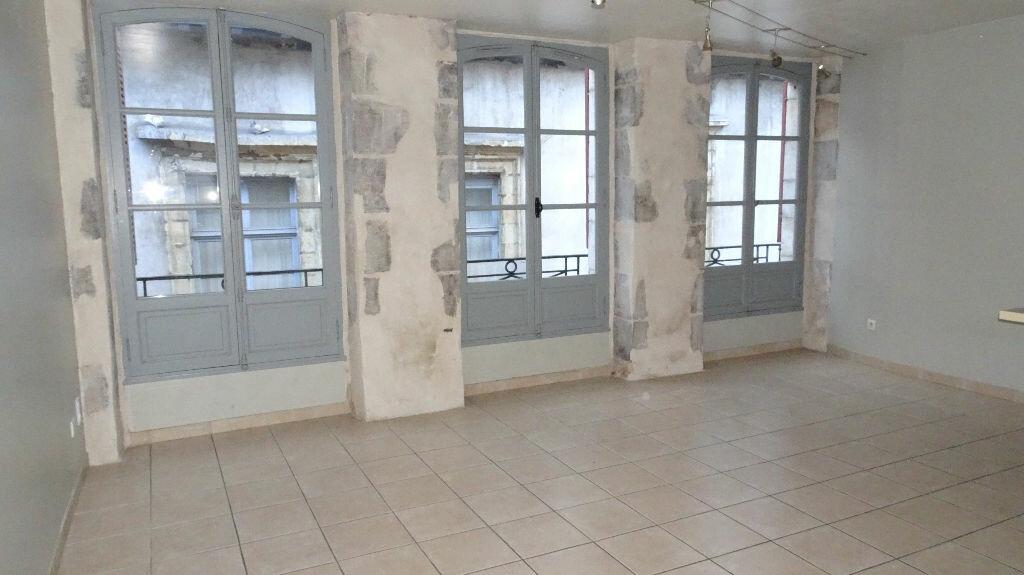 Appartement à louer 2 55m2 à Bayonne vignette-1