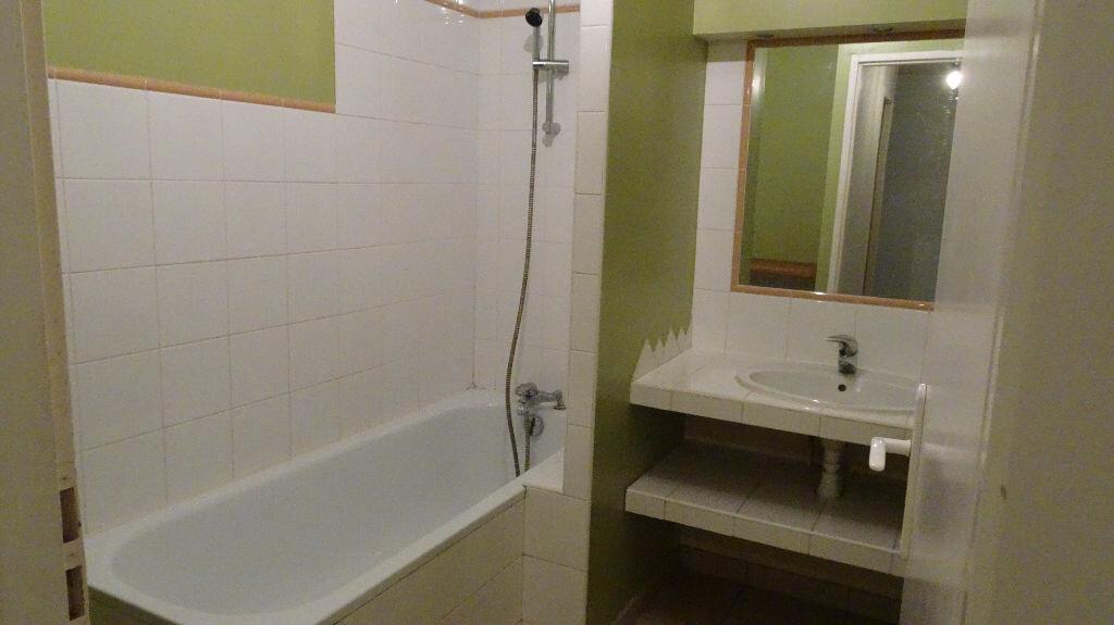 Appartement à louer 2 55m2 à Bayonne vignette-6
