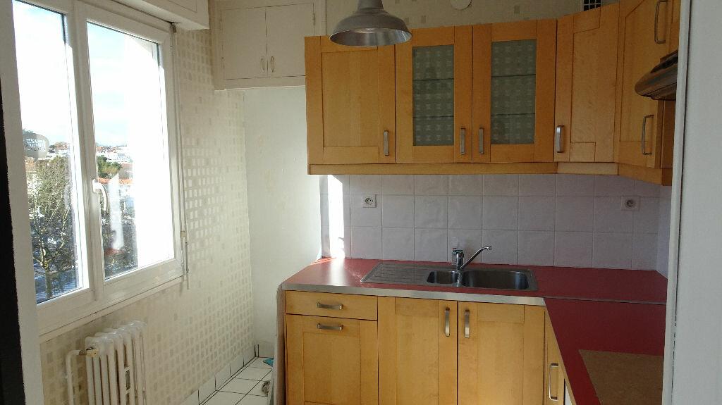 Appartement à louer 3 49m2 à Bayonne vignette-4