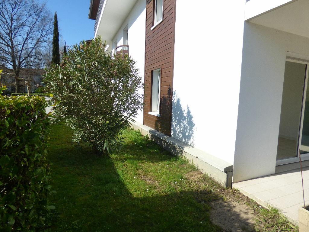 Appartement à louer 3 75m2 à Bayonne vignette-7