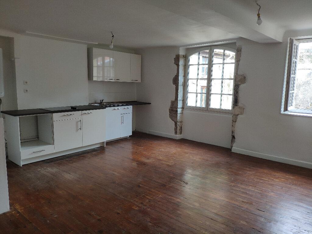 Appartement à louer 2 50m2 à Bayonne vignette-3
