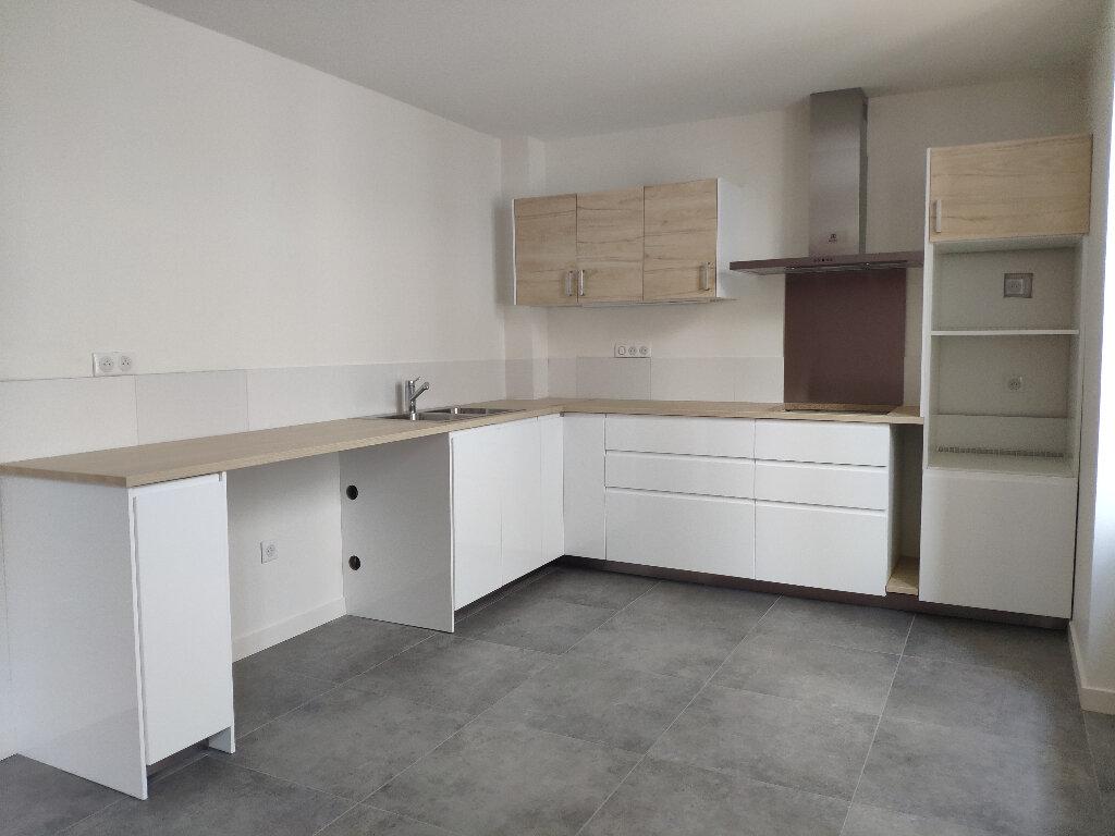 Appartement à louer 3 66m2 à Bayonne vignette-1