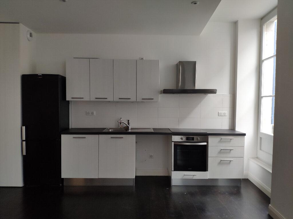 Appartement à louer 4 83m2 à Bayonne vignette-1