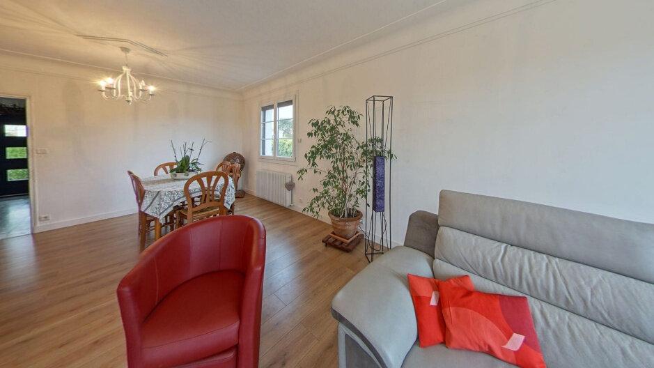 Maison à vendre 5 145m2 à Cholet vignette-3