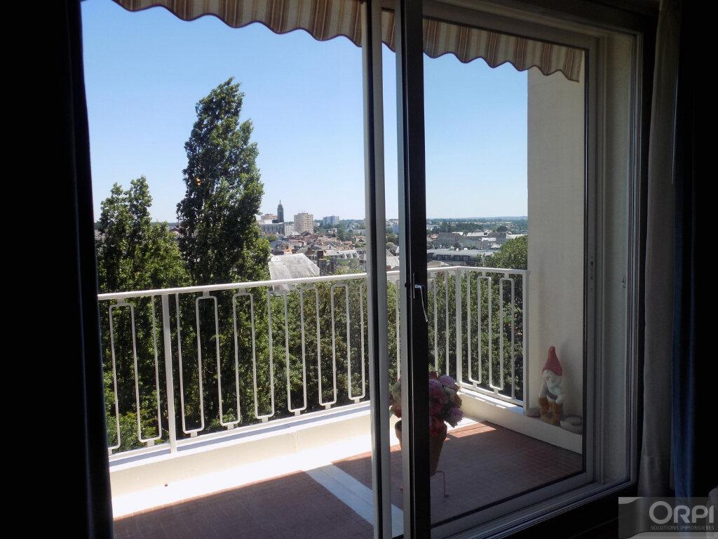 Appartement à vendre 3 93m2 à Cholet vignette-1