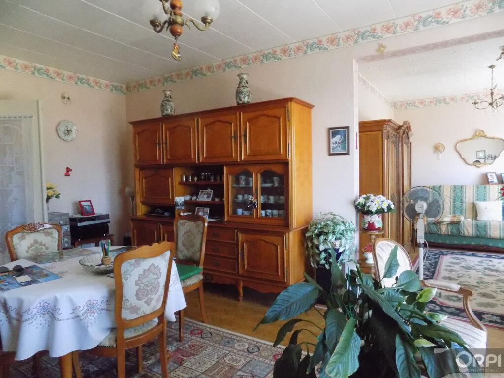 Appartement à vendre 3 93m2 à Cholet vignette-2