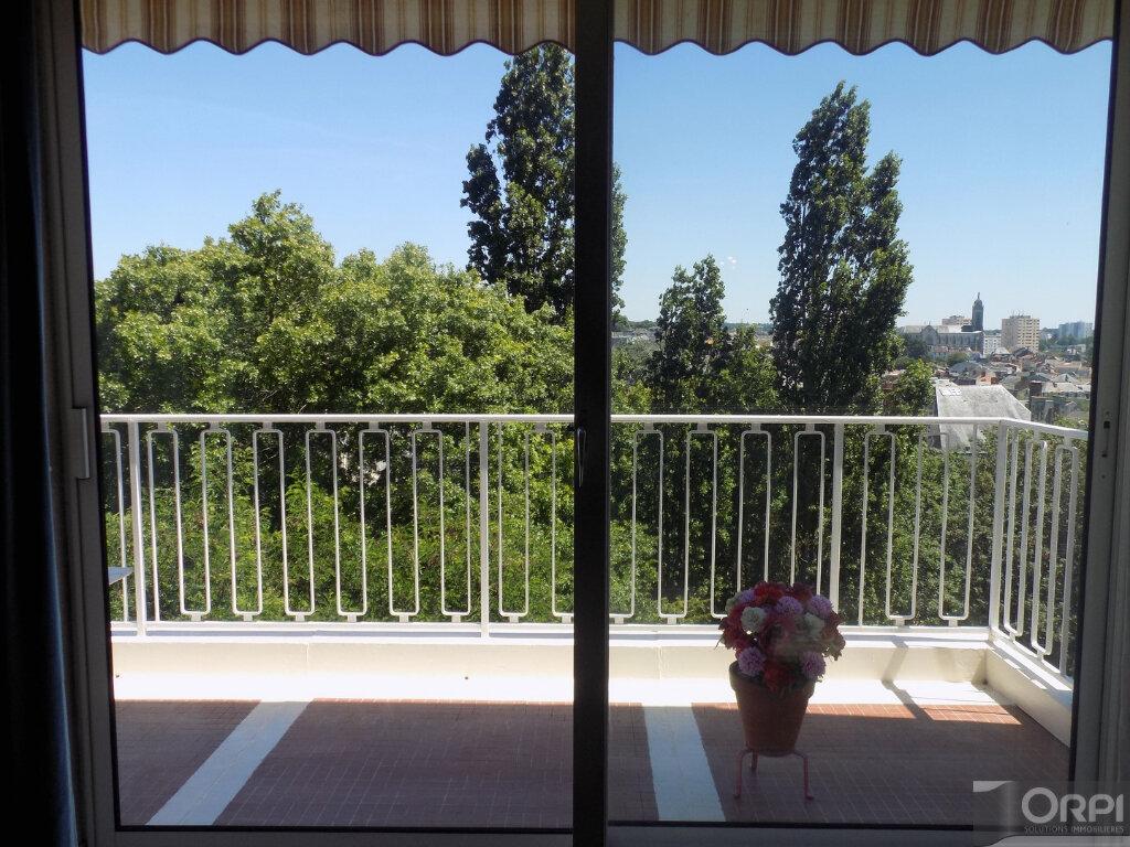Appartement à vendre 3 93m2 à Cholet vignette-6