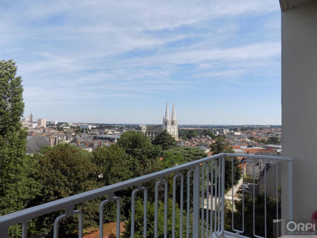 Appartement à vendre 3 93m2 à Cholet vignette-10