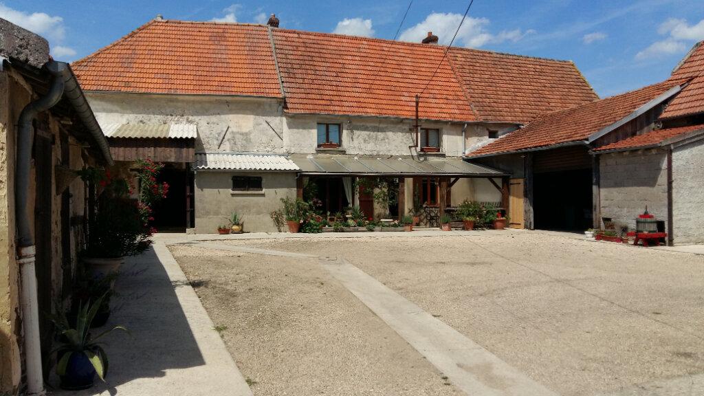Maison à vendre 6 170m2 à Bussières vignette-1
