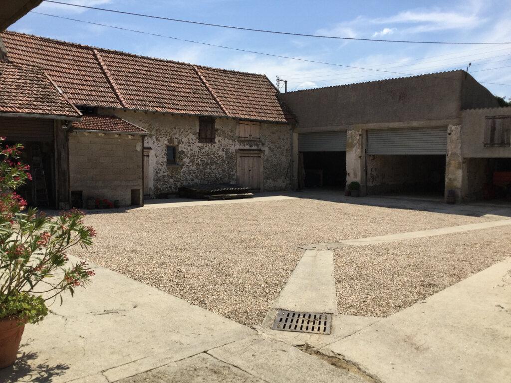 Maison à vendre 6 170m2 à Bussières vignette-4