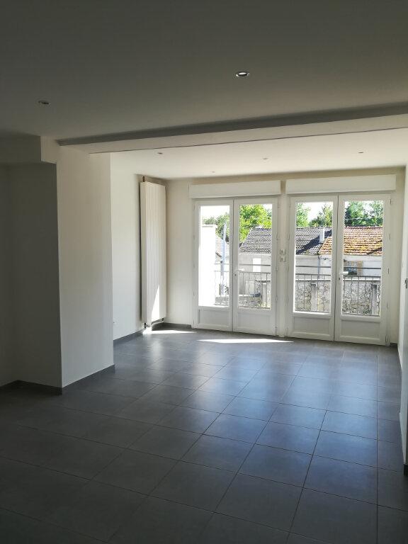 Appartement à louer 3 64.34m2 à Armentières-en-Brie vignette-1