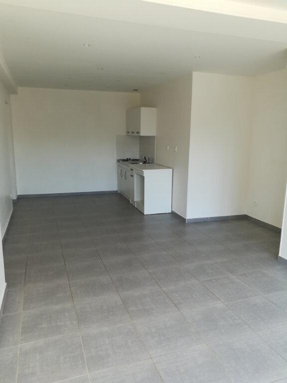 Appartement à louer 3 64.34m2 à Armentières-en-Brie vignette-2