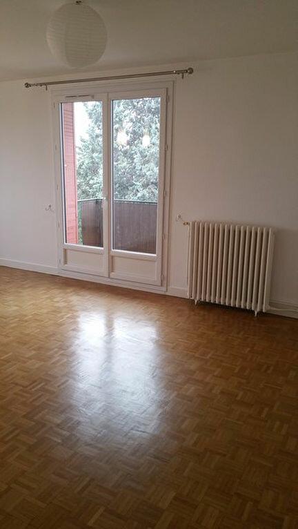 Appartement à louer 3 66.2m2 à Meaux vignette-3