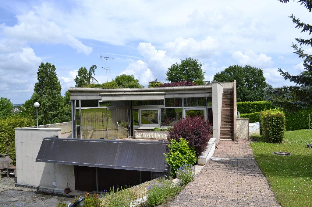 Maison à vendre 7 430m2 à Saint-Jean-les-Deux-Jumeaux vignette-2