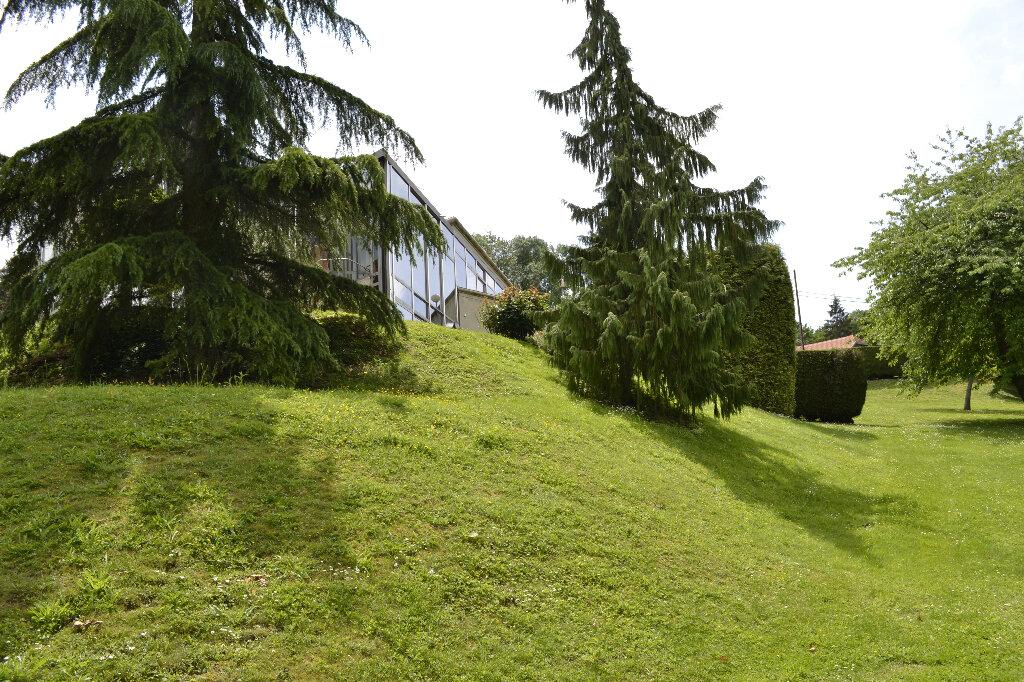 Maison à vendre 7 430m2 à Saint-Jean-les-Deux-Jumeaux vignette-3