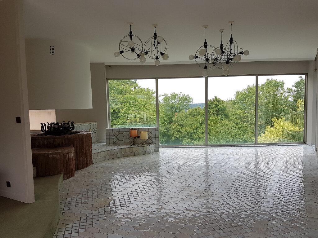 Maison à vendre 7 430m2 à Saint-Jean-les-Deux-Jumeaux vignette-5