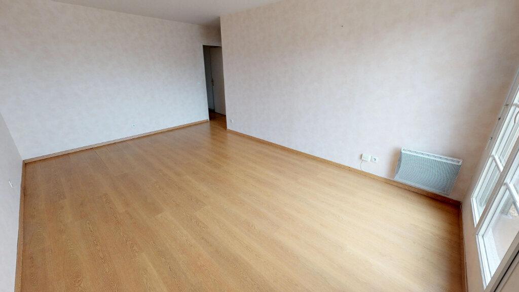 Appartement à vendre 3 65.99m2 à Villenoy vignette-2