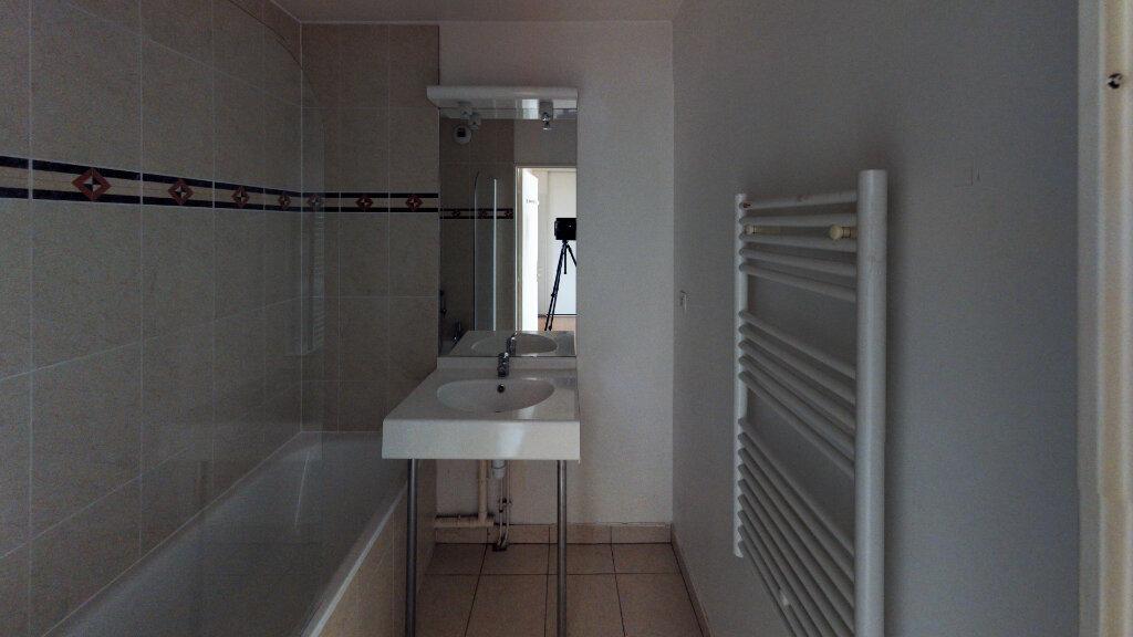 Appartement à vendre 3 65.99m2 à Villenoy vignette-6