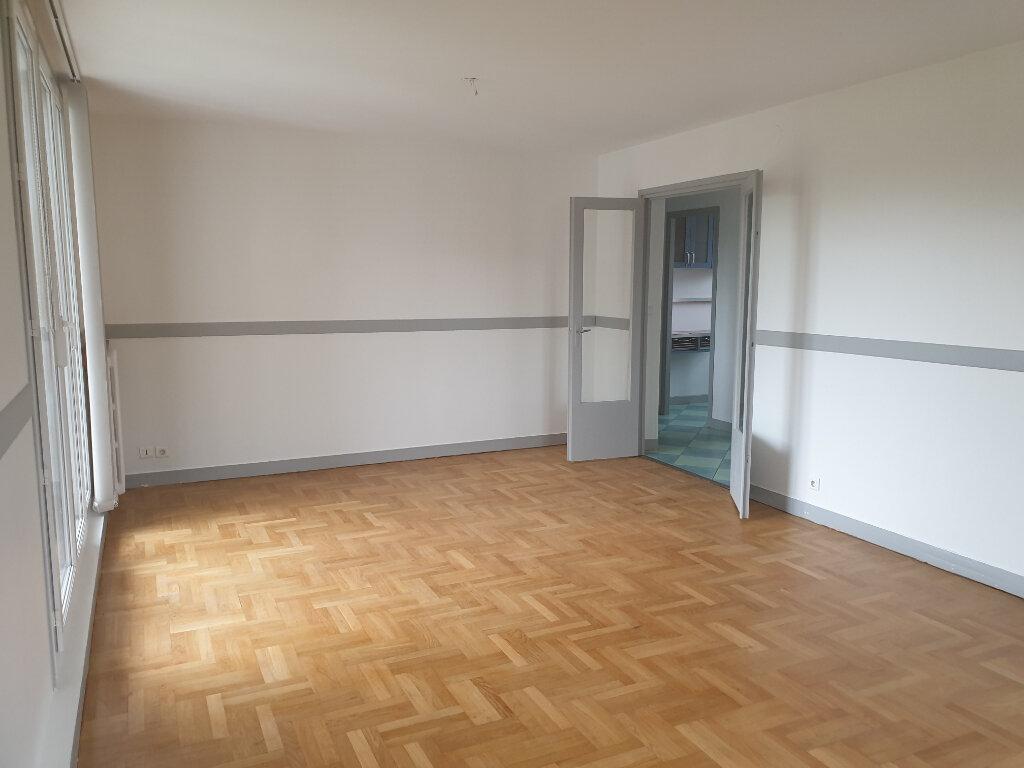 Appartement à louer 3 66.81m2 à Meaux vignette-1