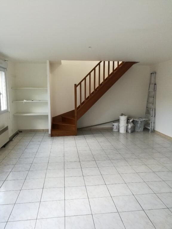 Appartement à louer 3 68.39m2 à Trilport vignette-1