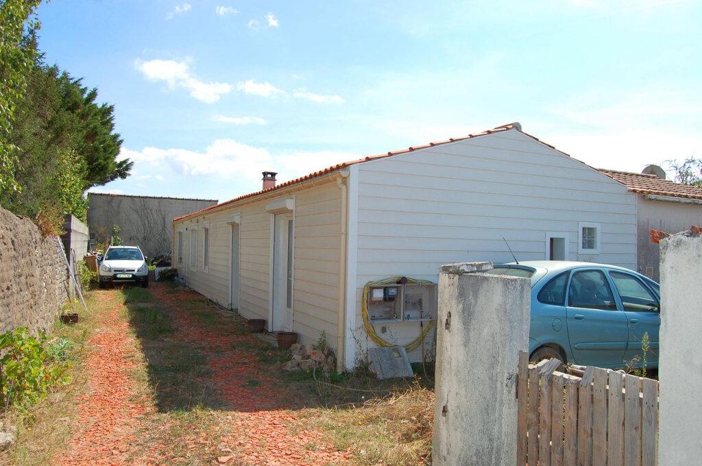 Maison à vendre 4 121m2 à Longeville-sur-Mer vignette-1