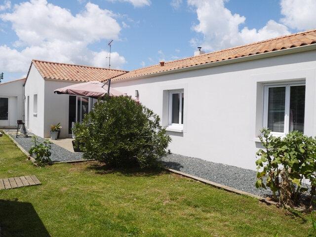 Maison à vendre 5 136m2 à Saint-Michel-en-l'Herm vignette-1